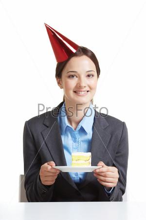 Сотрудник с тортом