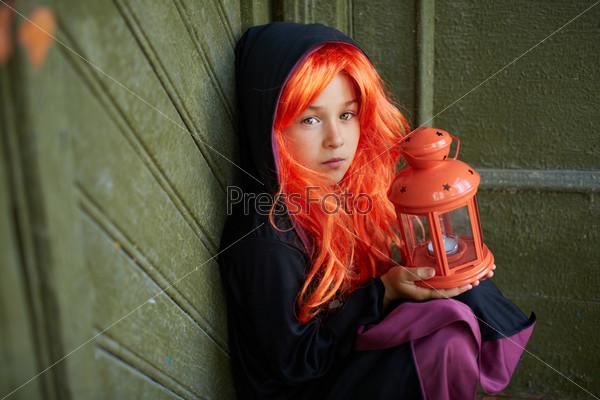 Ребенок в костюме в Хеллоуин