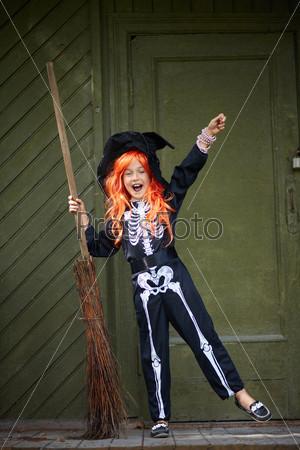 Фотография на тему Девочка в Хэллоуин