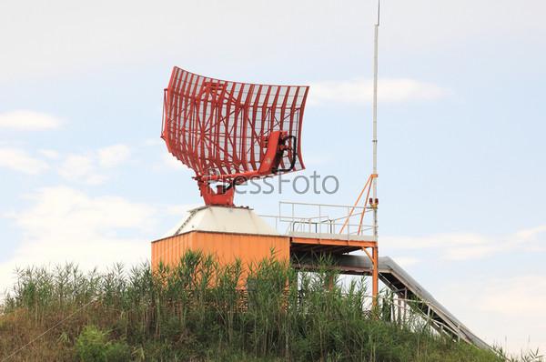 Фотография на тему Аэродромно-трассовый первичный локатор