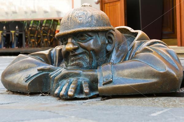 """Бронзовая скульптура """"Мужчина на работе"""""""