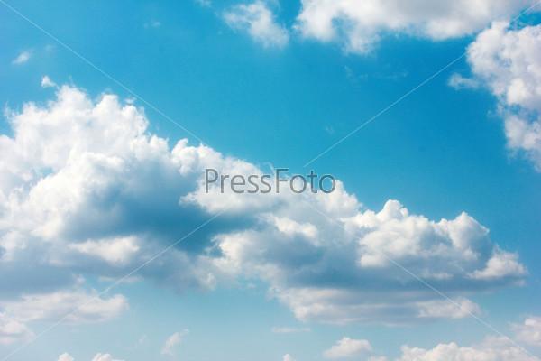 Фотография на тему Красивое солнечное небо и облака