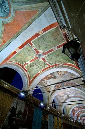 Фрески на арочном потолке. Риальто, Венеция, Италия