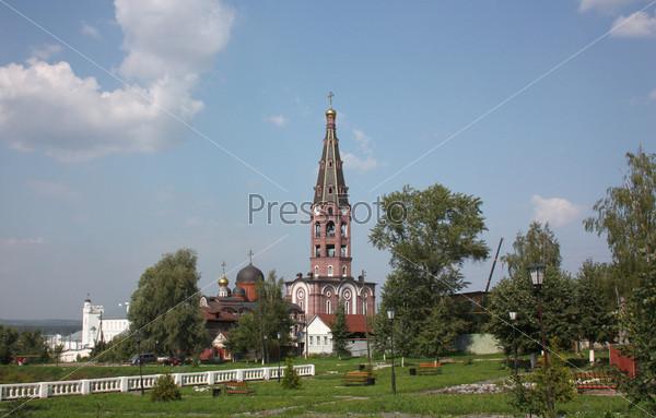 Свято-Троицкий мужской монастырь в городе Алатырь. Чувашская республика, Россия