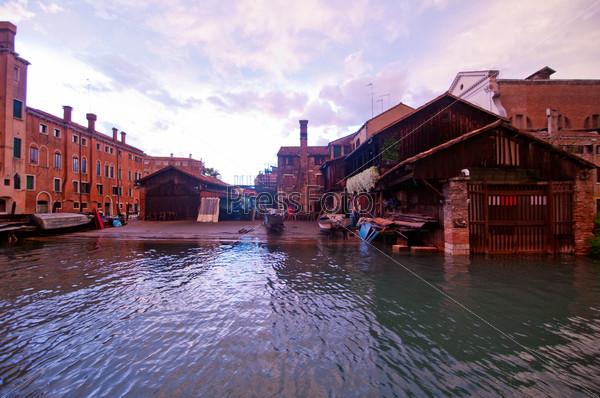 Площадь Сан-Тровазо в Венеции. Италия