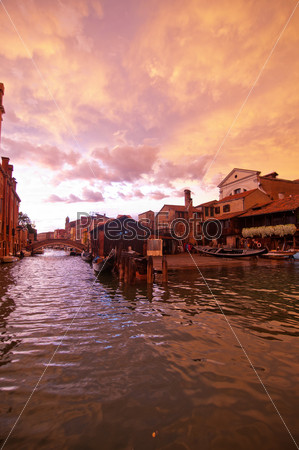 Фотография на тему Площадь Сан-Тровазо в Венеции. Италия