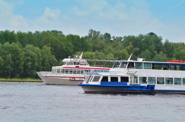 Туристические лодки