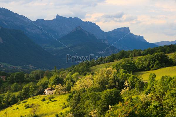 Прованс. Летние холмы и горы