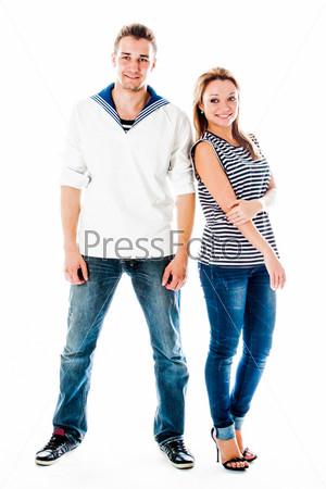 Молодой моряк с красивой молодой женщиной