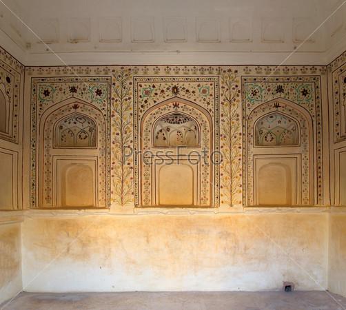 Орнамент на стене дворца в форте Джапура
