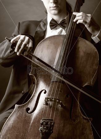 Фотография на тему Игра на виолончели