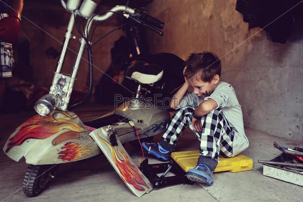Фотография на тему Мальчик-байкер