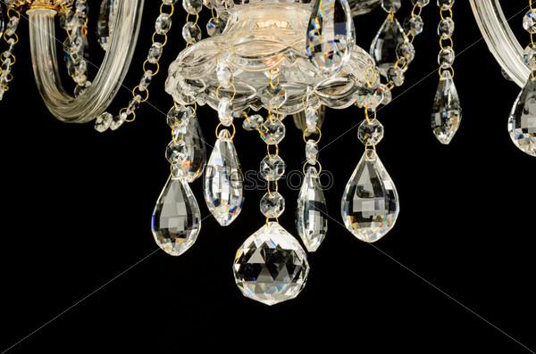 Фотография на тему Кристаллы современной стеклянной люстры