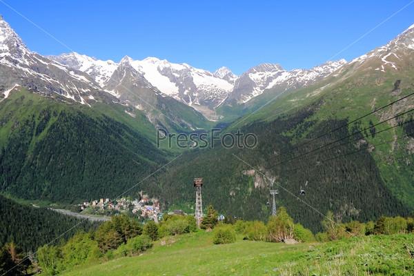 Фуникулер в горах Кавказа