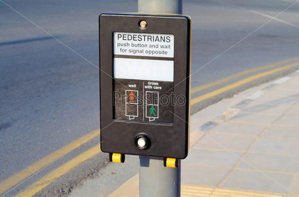 Фотография на тему Нажмите эту кнопку, чтобы перейти дорогу