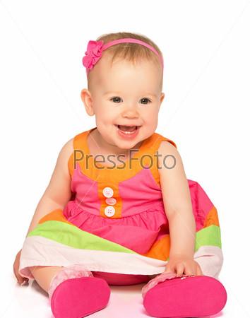 Маленькая девочка в праздничном платье, изолировано