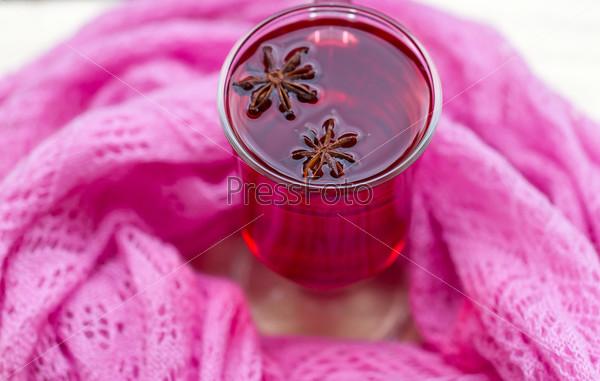 Красный чай (каркаде) с шарфом