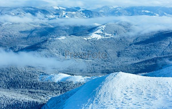 Фотография на тему Утренний зимний горный пейзаж