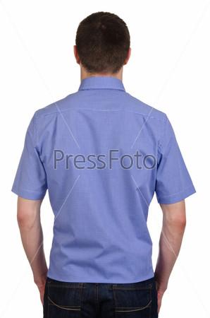 Модель в рубашке, изолированная на белом фоне
