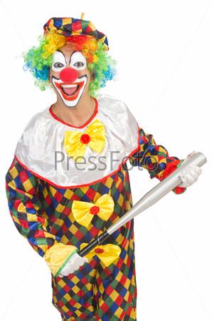 Клоун с бейсбольной битой, изолированный на белом фоне