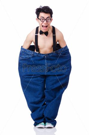 Фотография на тему Забавный мужчина с большими брюками, изолированный на белом фоне