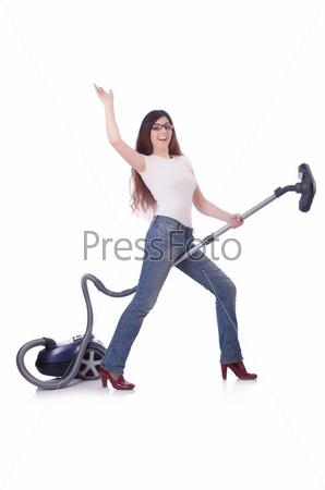 Женщина занимается хозяйством