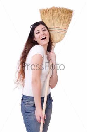 Молодая женщина с веником на белом фоне