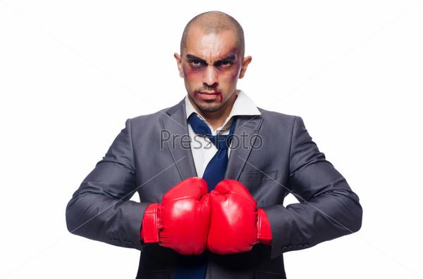 Избитый бизнесмен с боксерскими перчатками