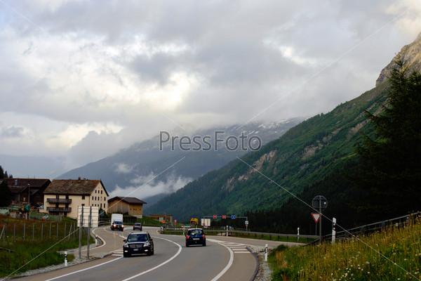 Прекрасный вид в швейцарских Альпах