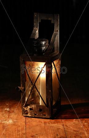 Фотография на тему Старая лампа