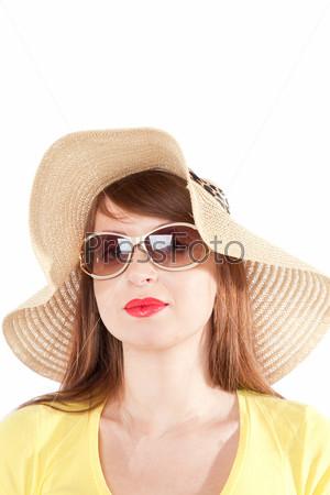 Портрет девушки в соломенной шляпе