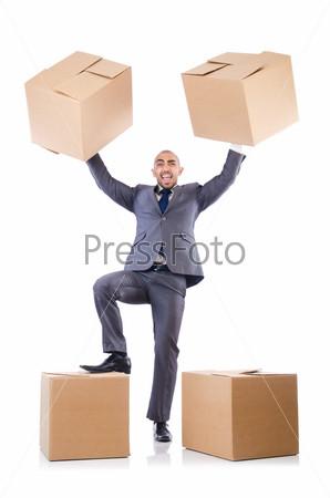 Бизнесмен с коробками, изолированный на белом