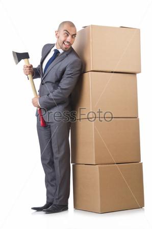 Мужчина с топором и коробками на белом фоне