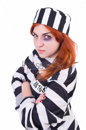 Заключенный в полосатой форме на белом фоне
