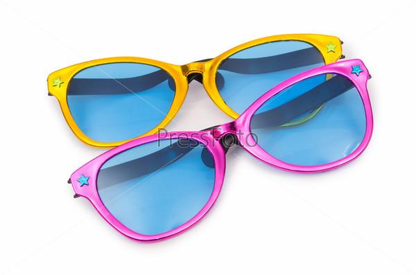 Фотография на тему Солнцезащитные очки, изолированные на белом