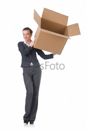 Деловая женщина с коробками на белом фоне