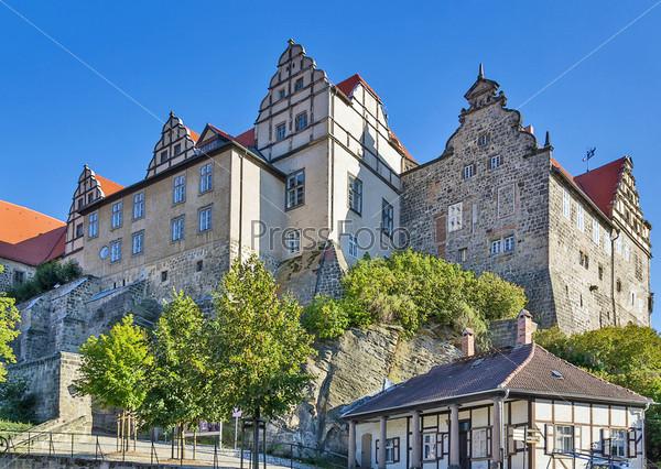 Замок в городе Кведлинбург, Германия