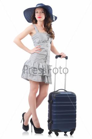 Молодая женщина готовится к отдыху