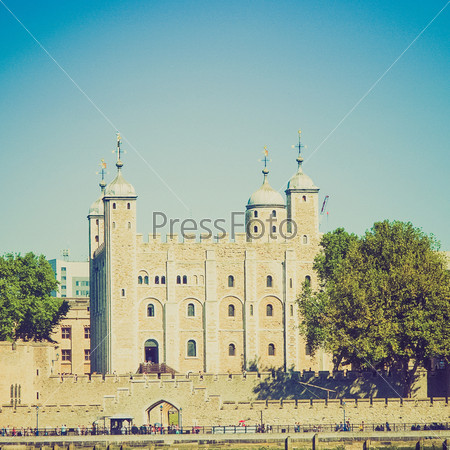 Средневековый замок Тауэр и тюрьма