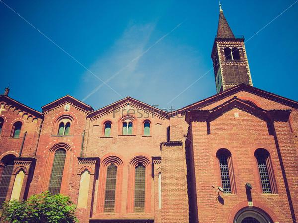 Фотография на тему Базилика Сант Эусторджо, Милан, Италия