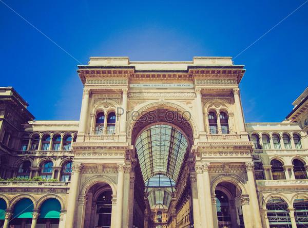 Винтажная фотография Галереи Витторио Эмануэле II в Милане, Италия