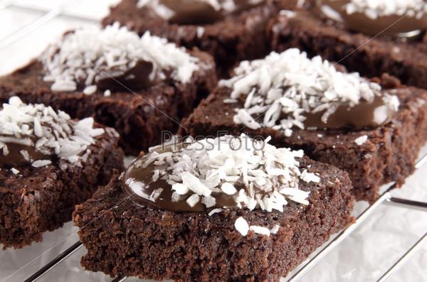 Фотография на тему Домашняя выпечка с шоколадом и кокосовой стружкой
