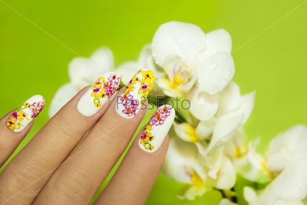 Фотография на тему Маникюр с орхидеями