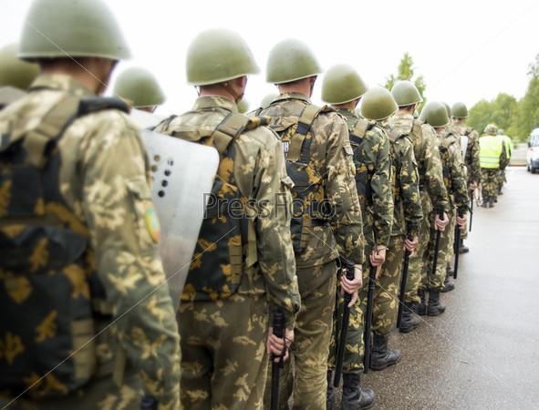Фотография на тему Формирование солдат внутренних войск