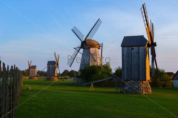 Фотография на тему Деревянная мельница, Англа, остров Сааремаа, Эстония