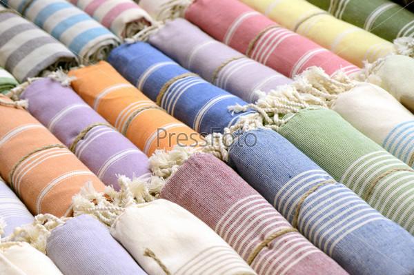 Фотография на тему Цветные шарфы