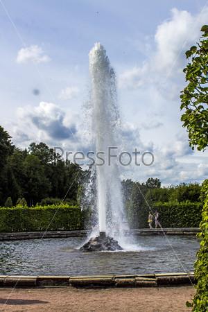 Фотография на тему Петродворец - фонтан