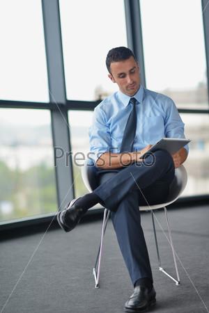 Парни в офисе фото 91934 фотография