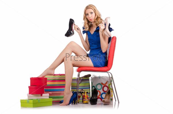 Девушка меряет одежду фото 523-953