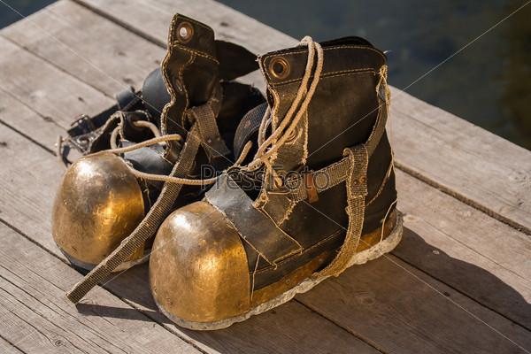 Vintage shoes diver